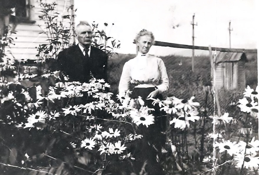1910- Chester Eddy and Hattie Chase